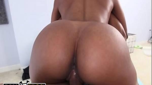 Casa de massagem sarado comendo a negra gostosa bunda perfeita