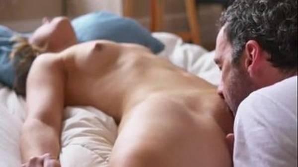 Chupando a buceta da esposa sexo oral delicioso