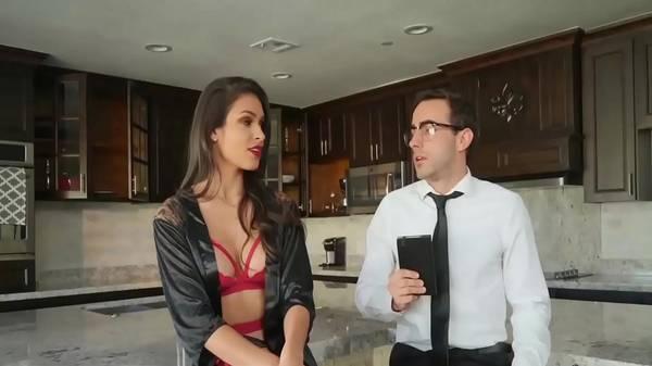 Esposa puta recebe de lingerie o advogado pro divórcio e transa com ele