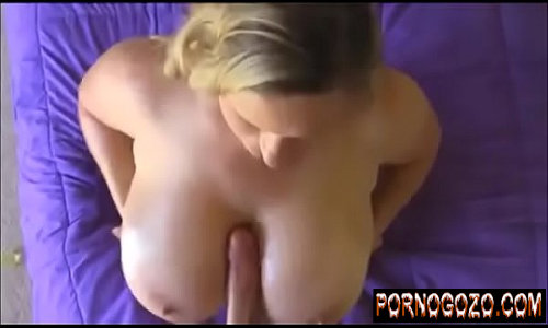 Filmes de sexo com gordinha dos peitos grandes e naturais na espanhola forte brincando com pau