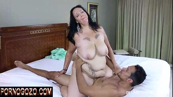 Homem gostoso e mulher gorda gostosa tetuda fazendo um sexo bem selvagem