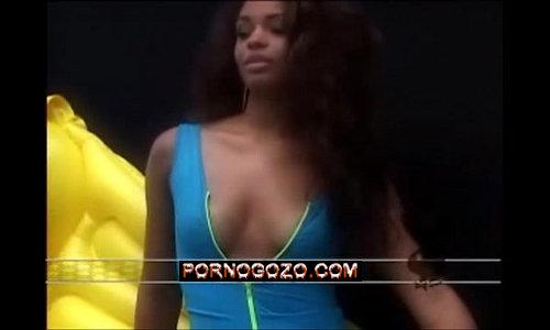 Juliana Alves nua negra gostosa se exibindo toda sexy hot em video de putaria