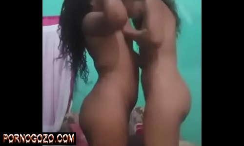 Lésbica safada amadoras caiu na net transando com namoradinha no web cam da favela