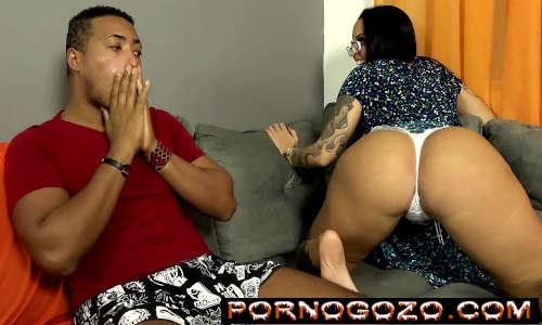 Minha Madrasta gostosa morenaça brasileira é especialista em sexo anal e chama pra foda PornoGozo
