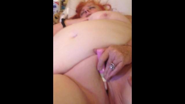 Minha sogra gorda ruiva fazendo vídeo amador gozando gostoso nua