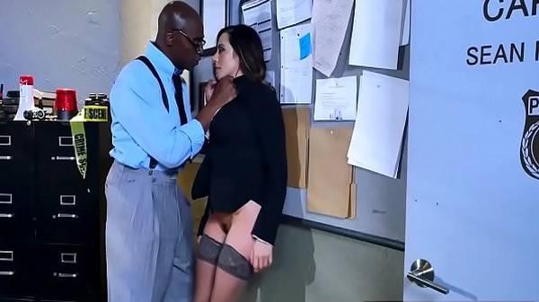 Morena ficou de lado solicitando rola grossa de seu amigo
