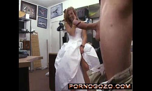 Noiva loirinha piranha traindo o marido corno um pouco antes do casamento
