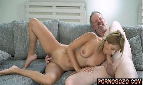 Novinhas tv cena de sexo picante com vovô tarado e netinha bem gostosa