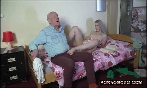Porno com a fada do sexo transando com um coroa rico tarado PornoGozo