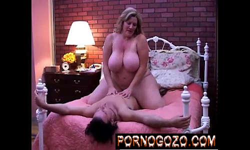 Porno pesado com Mulher gorda super gostosa cheia de tesão acabando com novinho
