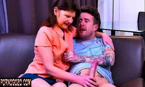 Porno xxvideos com tia safada aliviando sobrinho vagabundo na punheta e fudendo