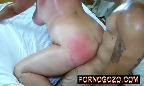 Saradão comendo o rabo da gorda quarentona deixando o bundão da putona até vermelho