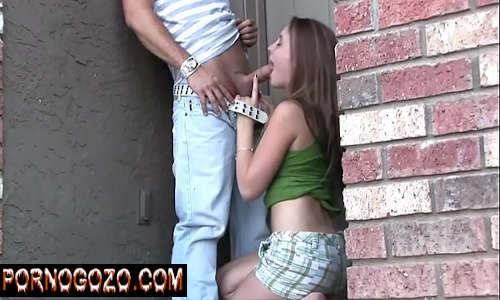 Sexhot com uma teen putinha entrando no pau do garotão