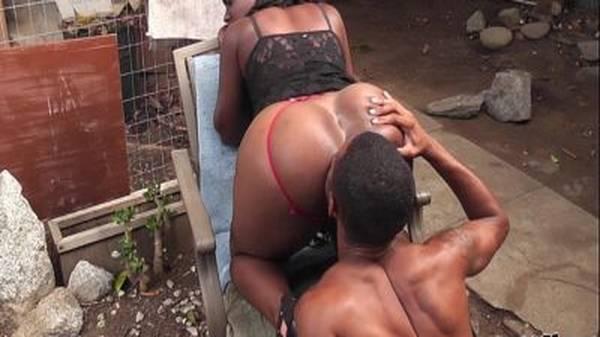 Sexo na favela negona rabuda casada dando pro amigo vizinho