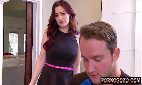 Sexy Milf Jessica Ryan adora pau grande do irmão loirinho Porno Gozo