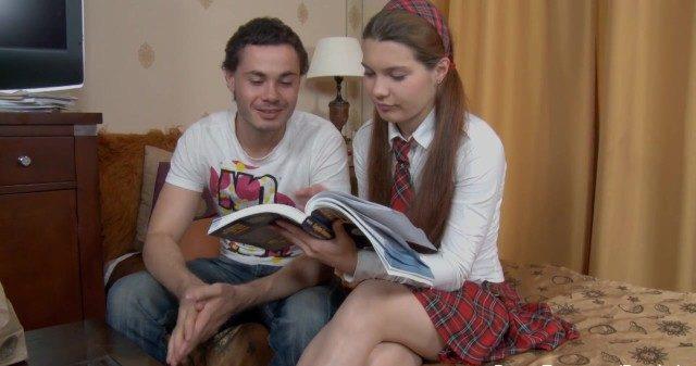 Tio ensina sexo anal pra sobrinha linda em vez da lição de casa