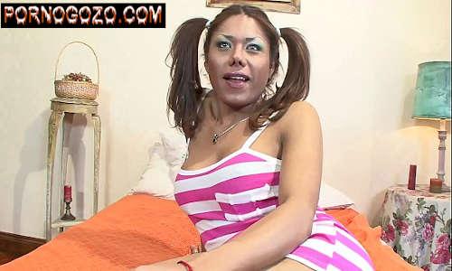 Travesti blogspot tesuda Latina com cabelo de maria chiquinha dando o cú gostosão pra caralho