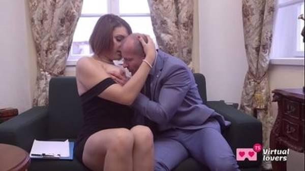Travesti transando de vestidinho sendo travada bem gostoso