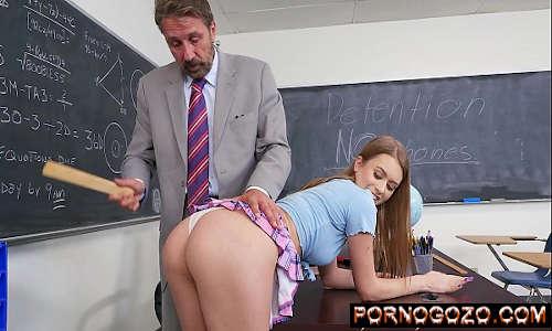 Vídeo de pornô na escola putinha leva régua na bunda e pau do professor