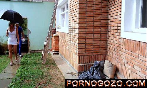 Vídeo de sexo loiraça Rabuda brasileira seduzindo o pedreiro dando gostoso pro sortudão