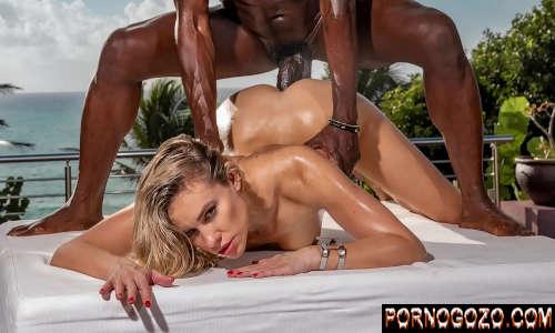 Vídeo pornográfico africano desmaiando loirinha cara de puta na foda forte