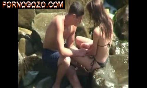 Video amador com garoto que Fez sexo escondido na praia com a prima no cio