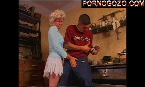 Videos pornos velhas puta de saia curta dando em cima do funcionário do marido novinho