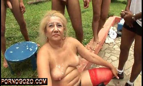 Videos sexo velha Granny  fazendo suruba Brazillian Gangbang com negros dando muito porra