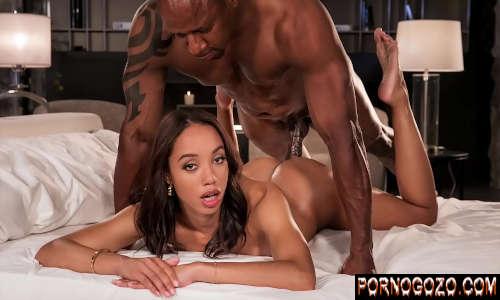 Xvideos porno gráficos neguinha gostosa tomando surra de pica do tio black